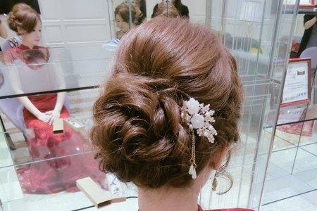 台中新秘Avonlin雅芳婚禮造型側拍