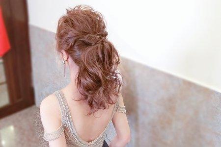 台中新秘Avonlin雅芳新娘妝髮整體造型側拍分享