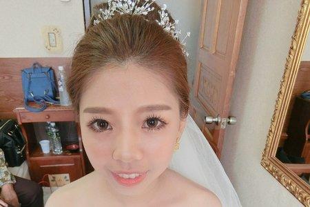 台中新秘Avonlin雅芳-婚禮造型側拍