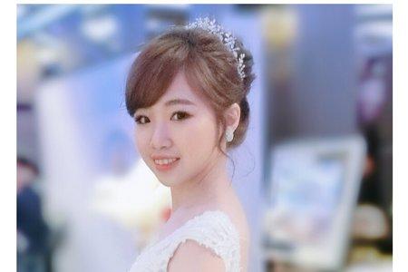 素淨優雅的白紗氣質妝髮