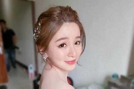 明亮潤澤的自然妝感推薦給喜愛淡妝的甜心