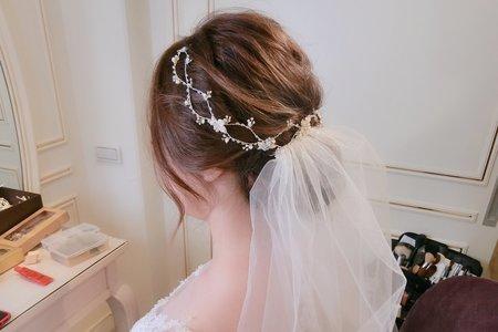 清新韓風白紗進場造型-婚禮現場側拍
