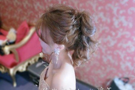 瑩綵訂結同天婚禮造型側拍