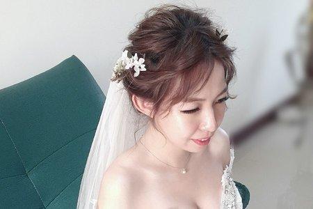 新娘造型-台中新秘Avonlin雅芳婚禮妝髮整體造型