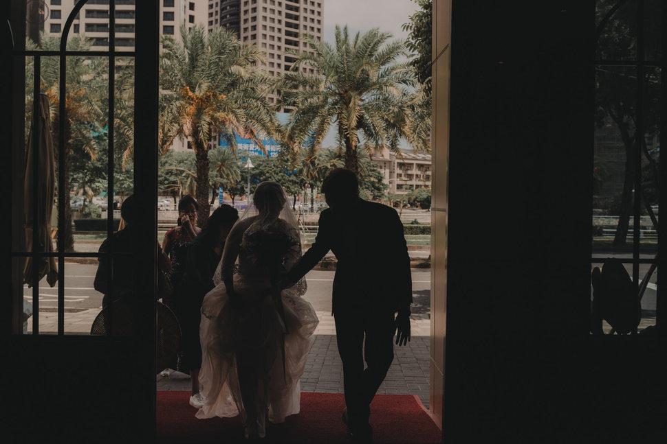 RAW-457 - RAW image《結婚吧》
