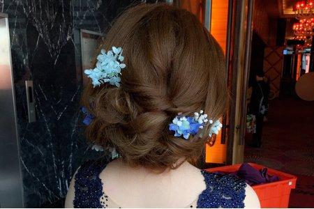 美美地髮色