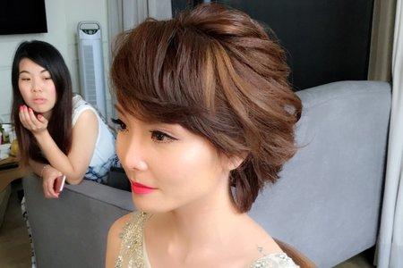超短髮時尚的新娘