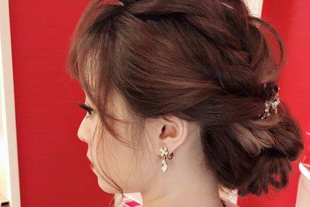 107/12/30我的超短髮新娘超多的