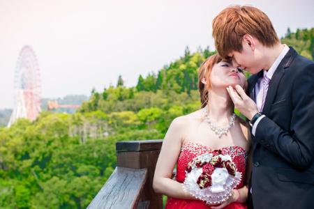 客製化自助婚紗-檔案全贈+結婚訂婚禮服