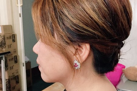 短髮媽媽典雅造型