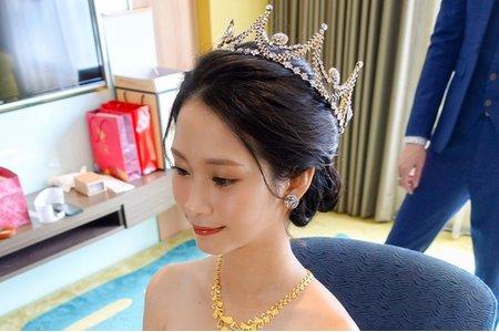 Aniki 氣勢大皇冠+明星公主風+盤髮