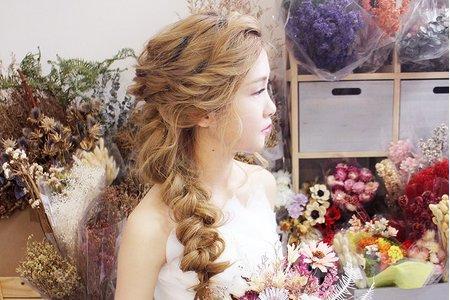 婚紗作品《森林系公主編髮》