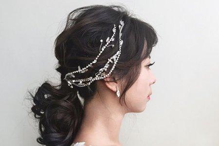婚紗作品《韓系優雅低馬尾》