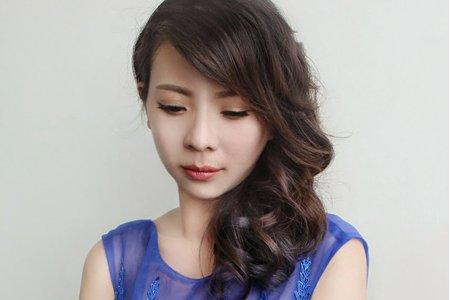 婚紗作品《韓系優雅側分》