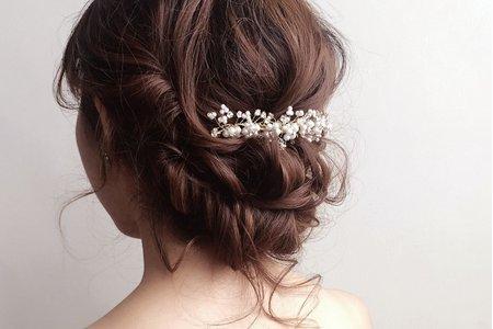 婚紗作品《浪漫優雅低盤髮》