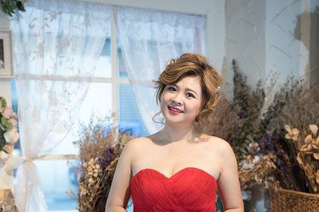 俏麗魅力紅禮服