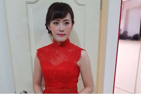 Ms.葉 文訂單妝髮造型│新秘 萳西