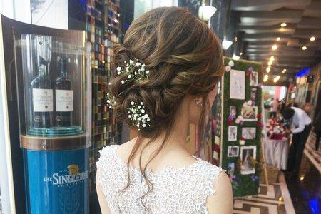 Kiwi彩妝造型 - 鮮花線條感造型