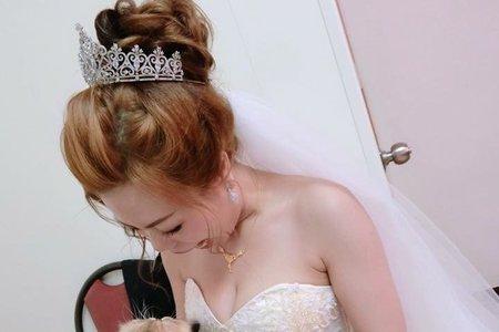 公主花苞白紗造型??