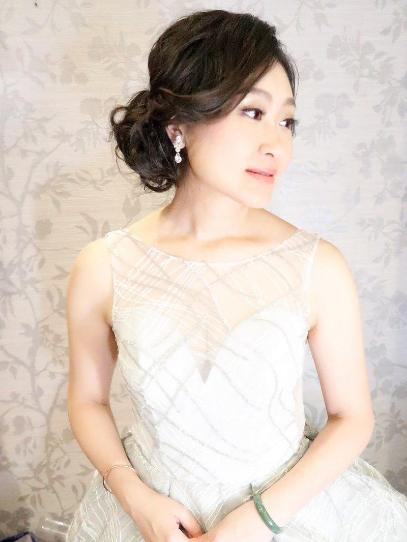 平日方案(週一至週五新娘秘書或婚紗造型)作品