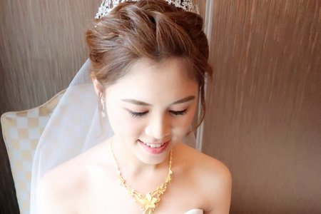 平日方案(週一至週五新娘秘書或婚紗造型)