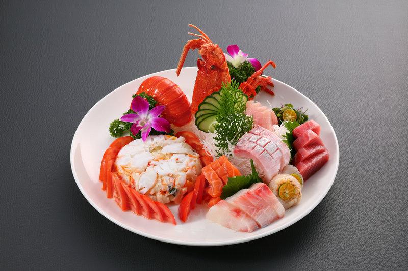 龍蝦沙律拼刺身