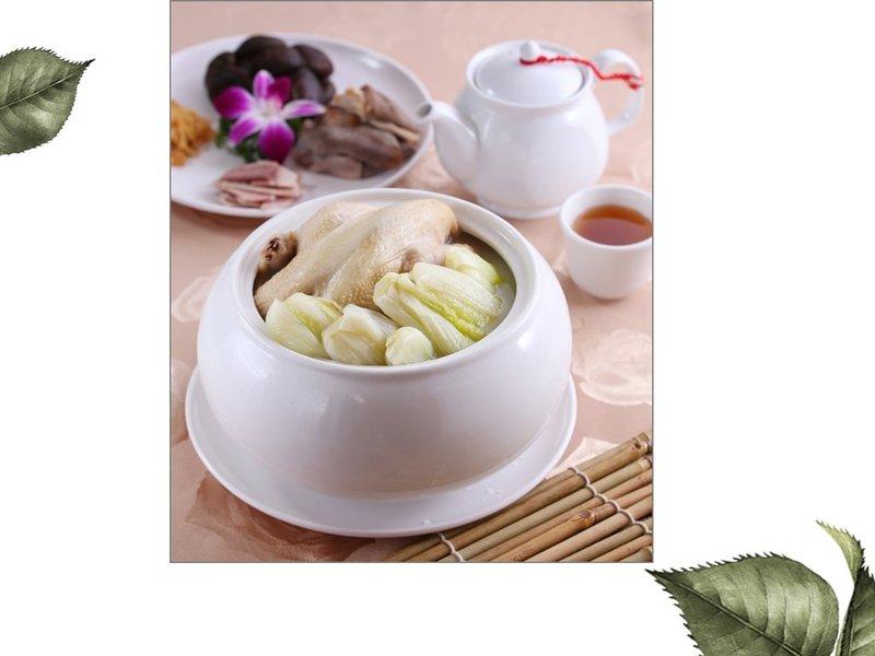奶湯芽白燉雞鍋
