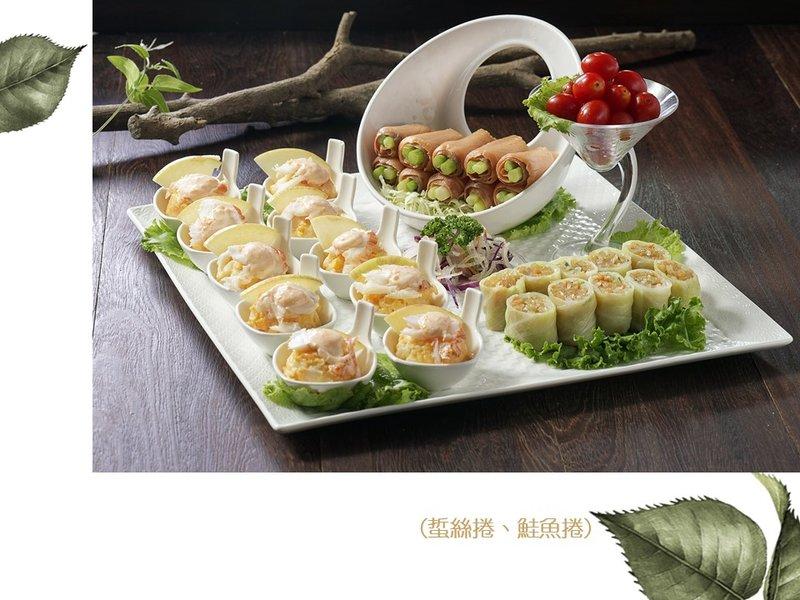 沙律龍蝦三採拼(蜇絲捲、鮭魚捲)