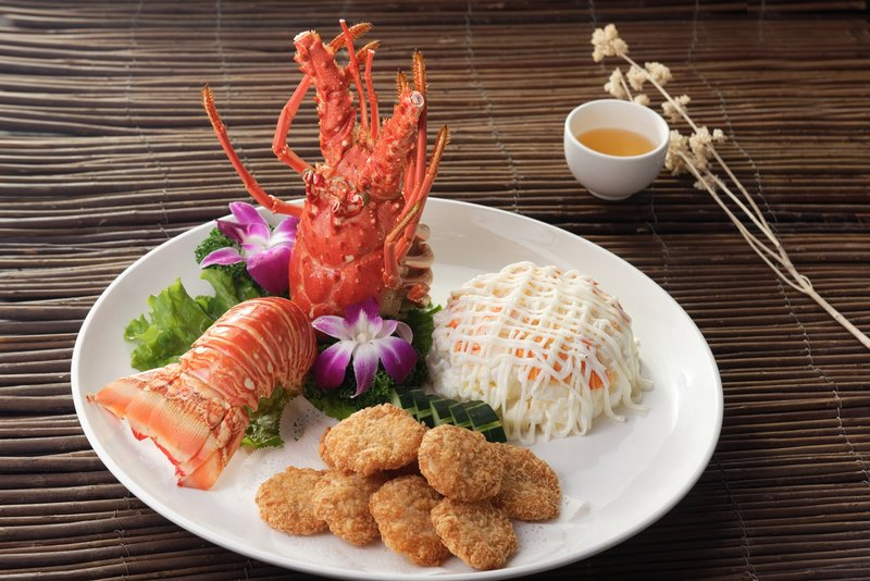龍蝦沙律、脆皮蝦餅 (雙拼)