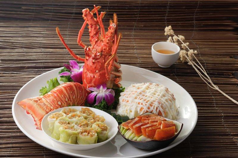 龍蝦沙律、碧綠蜇捲、烏魚子 (三拼)