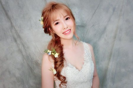 Minami 新娘秘書/噴槍底妝~ 側邊不凋花