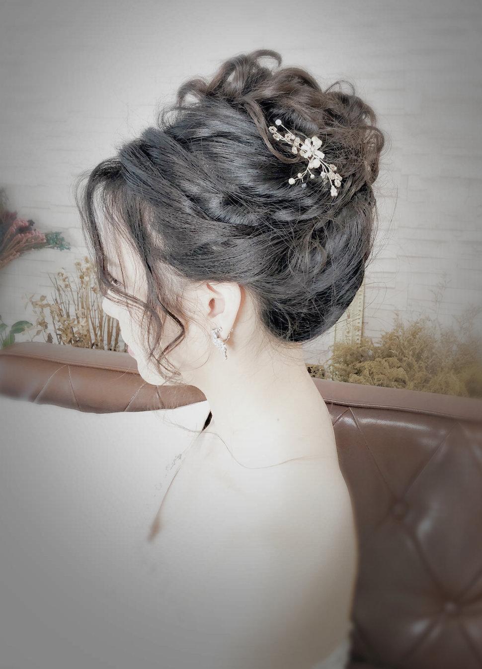 E51483B1-2C46-4196-80D4-AA4E54E16DA5 - YI MO 米米 makeup Stud《結婚吧》