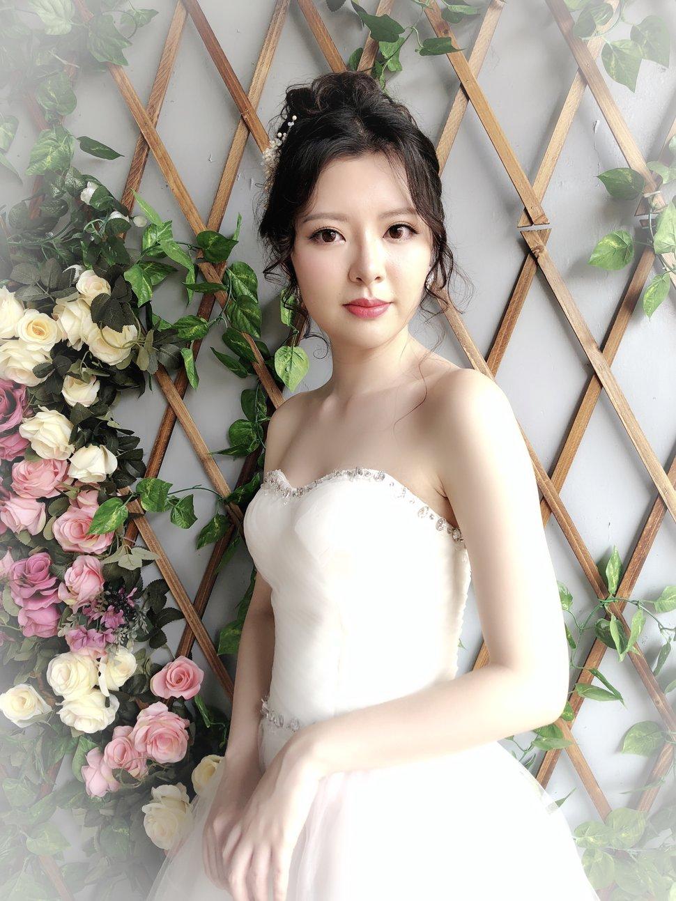 2419D6BC-E64F-4B2E-9399-B4BE3F3643F3 - YI MO 米米 makeup Stud《結婚吧》