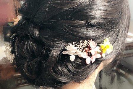Una訂婚單妝髮
