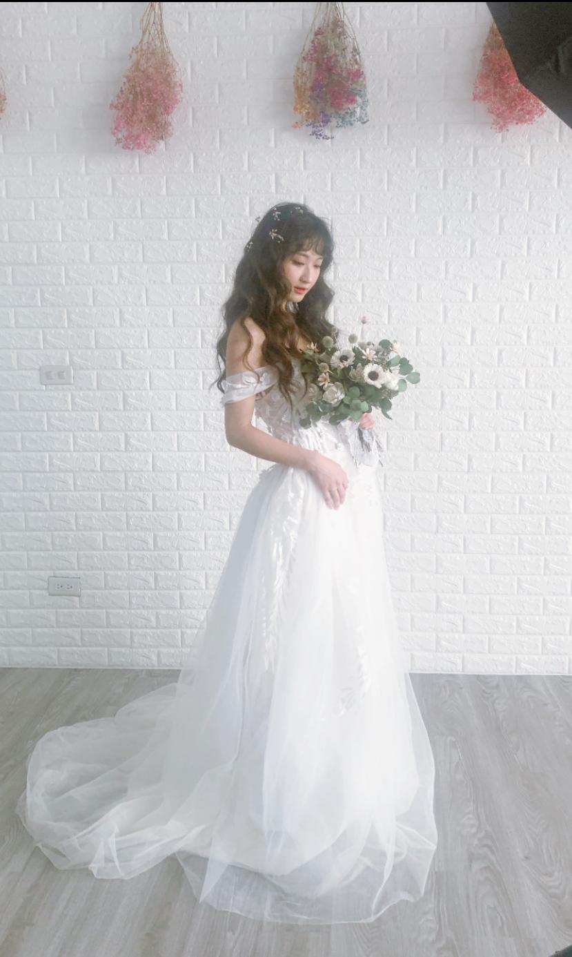 E8842807-C7F5-40B2-BF51-62EDAD997B8C - YI MO 米米 makeup Stud《結婚吧》