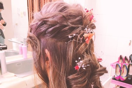 半頭式編髮 乾燥花點綴