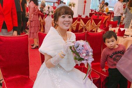 小蓁新娘❤️#白紗進場#優雅盤髮#送客造型#側邊馬尾#頭花造型