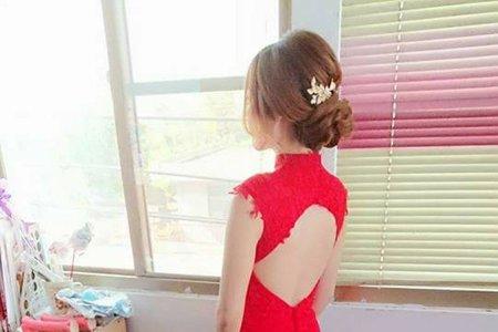 紅色禮服文訂造型