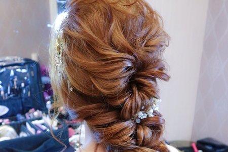 日式線條後編髮