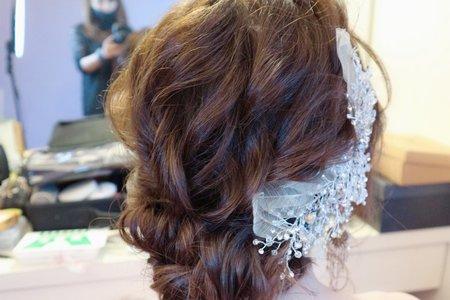 日系低盤髮⋯婚宴造型