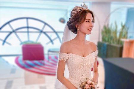 戶外證婚與皇冠進場