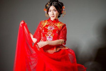 [花舞紛飛]-中式禮服訂製&秀禾服出租