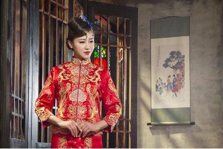[龍騰鳳翔]-中式禮服訂製&秀禾服出租