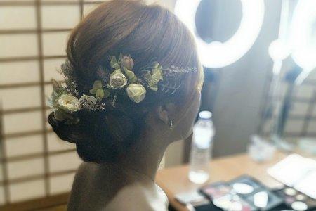 高雅氣質盤髮新娘造型