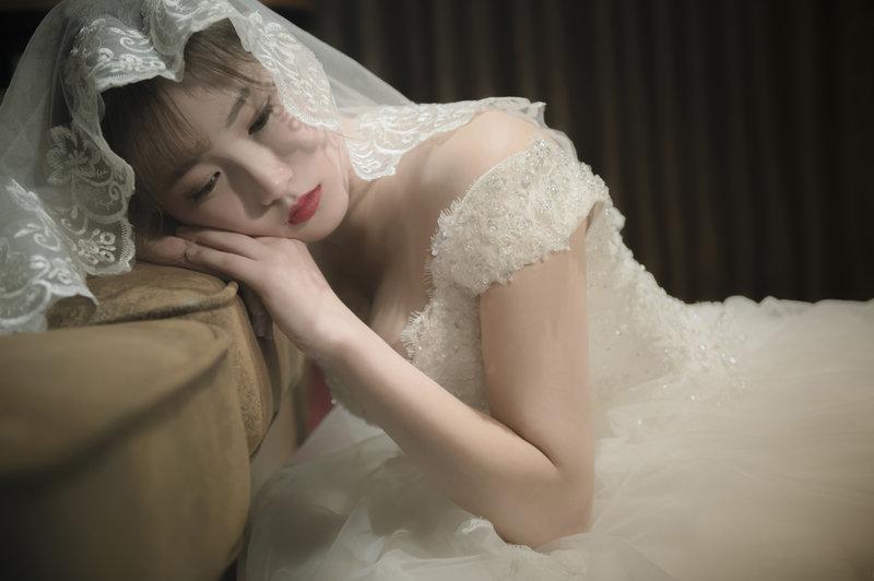 高雄平價婚紗-禮服出租方案
