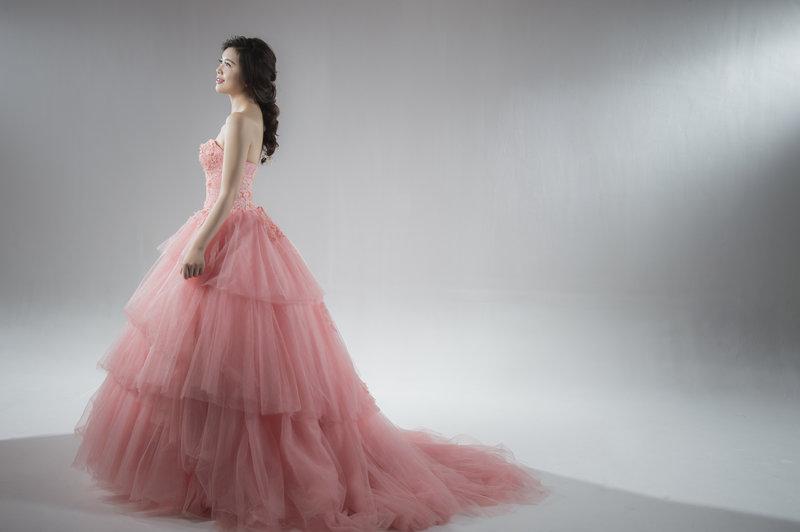 高雄便宜婚紗出租-CP值最高的禮服館