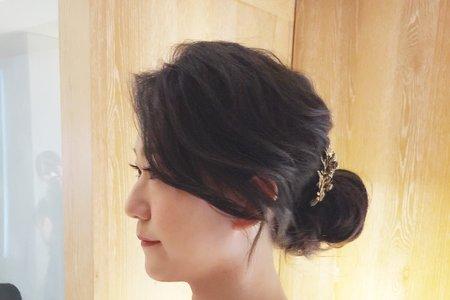新秘現場作品-時尚典雅線條感低盤髮