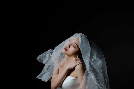 婚紗作品-褲裝婚紗歐美妝容