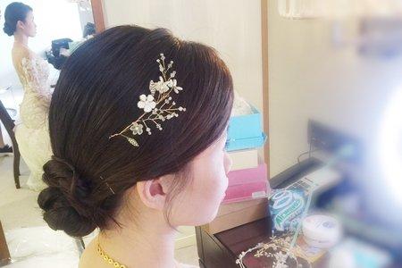 新秘現場作品-韓風低盤髮白紗造型