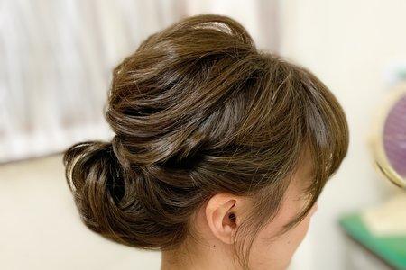 婚禮現場造型-白紗線條低盤髮